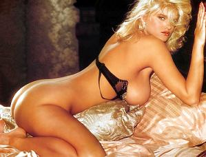Sexy milf Anna Nicole Smith